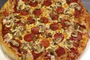 Djs-pizza-plus-food-photo1