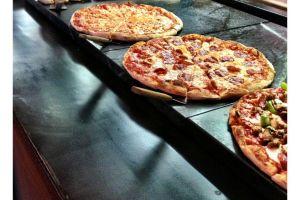 russos-pizzeria-food-photo1