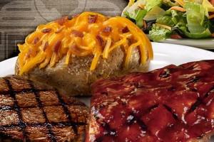 texas-roadhouse-food-photo